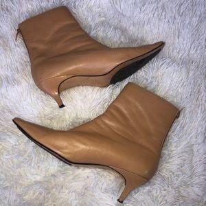 Anne Klein heeled tan leather bootie size 8.5